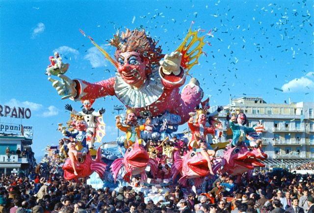 """Viareggio Carnival 1973 - """"Rendez-vous a Viareggio"""" float"""