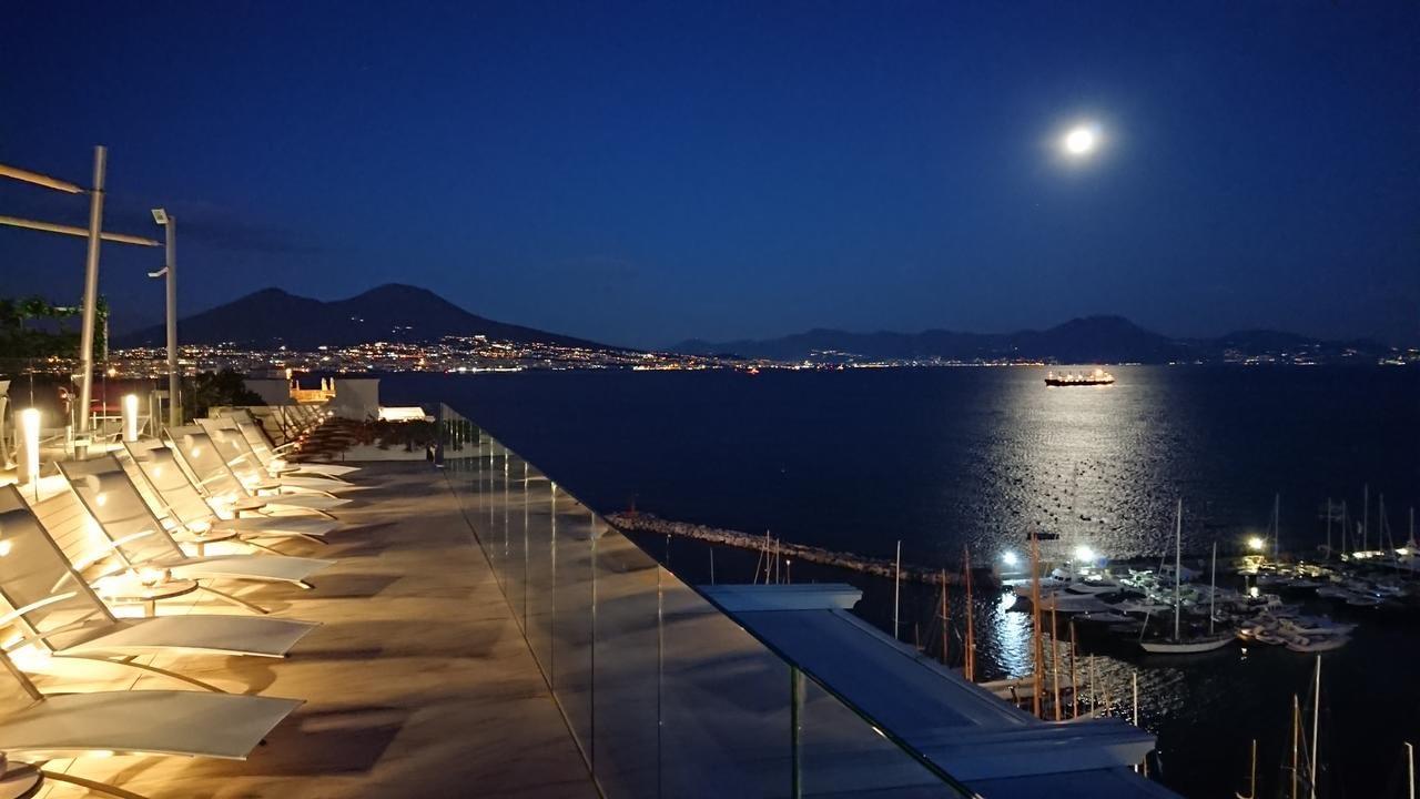 Naples - Grand Hotel Vesuvio