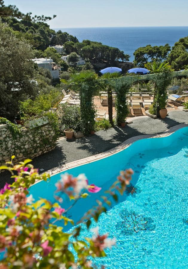 Hotel La Floridiana in Capri - swimming pool and sea view