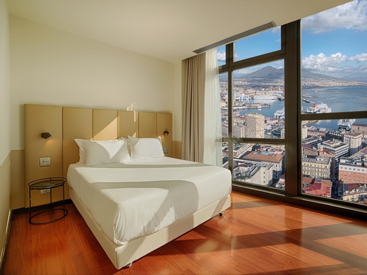 Naples - Hotel NH Napoli Panorama