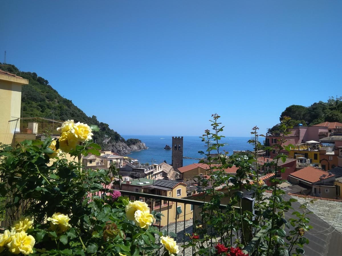 Monterosso al Mare - Hotel Albergo Degli Amici, a view