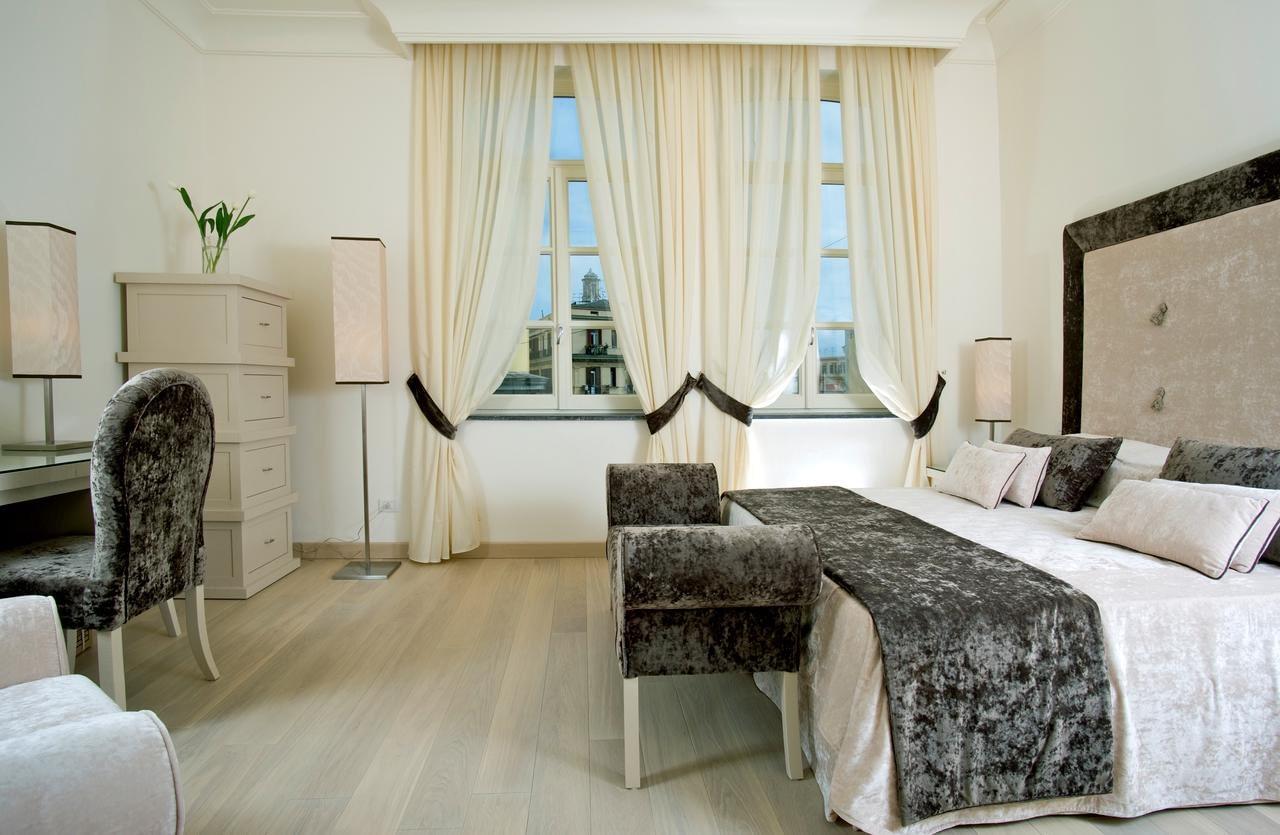 Naples - Hotel Albergo Palazzo Decumani