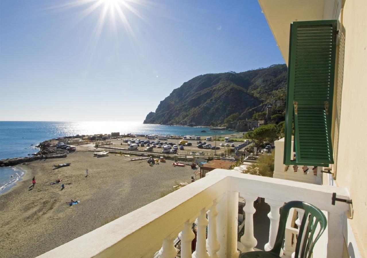 Monterosso al Mare - Beach Hotel Baia